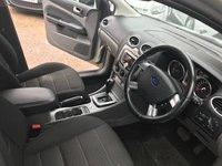 USED 2010 10 FORD FOCUS 1.6 TITANIUM 5d AUTO 100 BHP