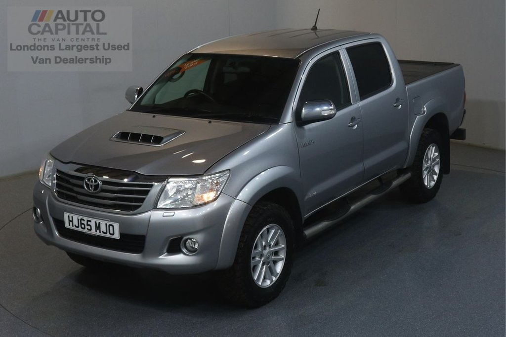 USED 2015 65 TOYOTA HI-LUX 3.0 INVINCIBLE 4X4 D-4D DCB 169 BHP AUTO  AUTO, AIR CON, REVERSE CAM., ALLOY WHEELS