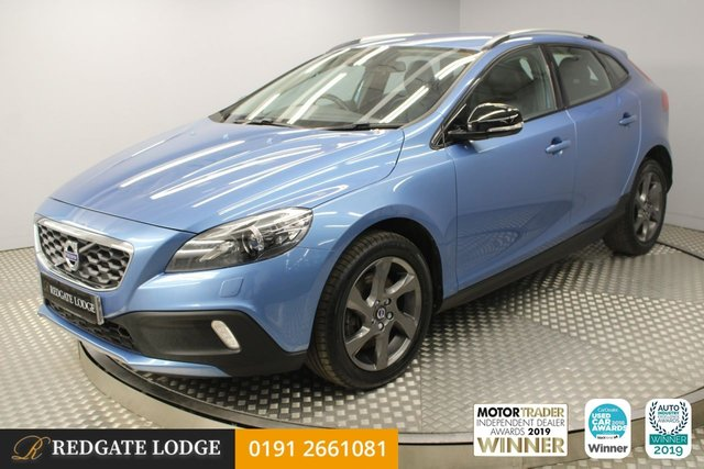 USED 2015 65 VOLVO V40 2.0 D2 CROSS COUNTRY LUX 5d 118 BHP