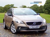 USED 2013 63 VOLVO V40 1.6 D2 CROSS COUNTRY LUX 5d AUTO 113 BHP *****LOW MILEAGE*****FULL LEATHER INTERIOR*****VERY CLEAN CAR*****ONLY £20 ROAD TAX*****68.9MPG COMBINED*****