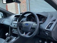 USED 2016 16 FORD FOCUS 2.0 ST-3 5d 247 BHP