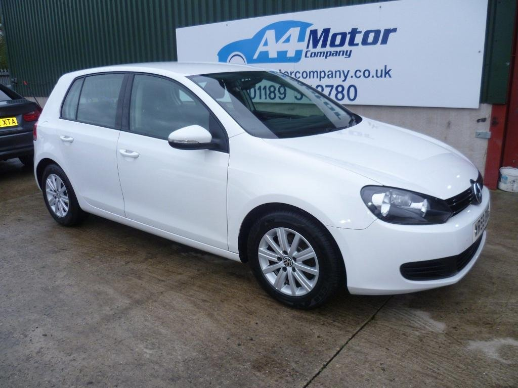 USED 2009 59 VOLKSWAGEN GOLF 1.6 TDI BlueMotion Tech SE 5dr LOW MILEAGE ,TWO OWNERS, WHITE