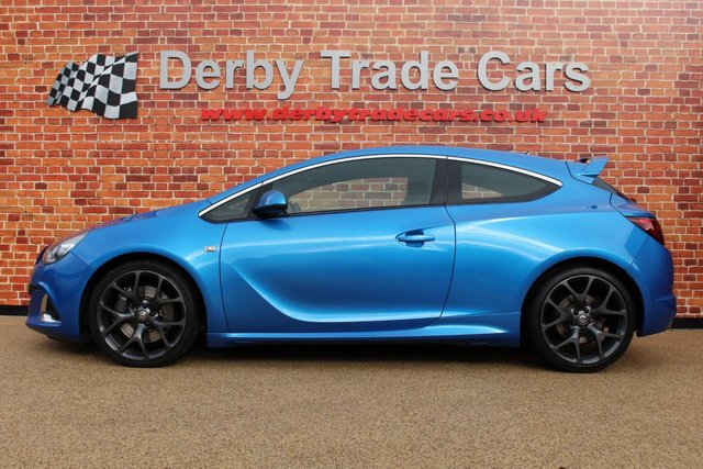 VAUXHALL ASTRA at Derby Trade Cars
