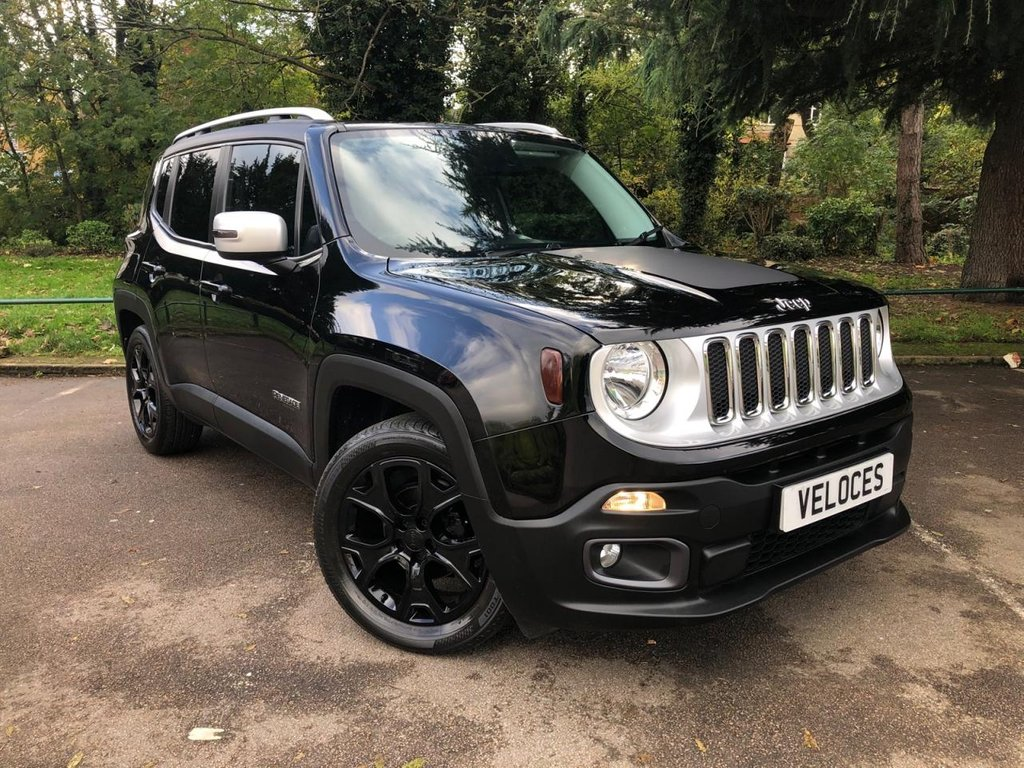 USED 2015 15 JEEP RENEGADE 1.4 LIMITED 5d 138 BHP LOW MILEAGE EXAMPLE WITH GLASS PANORAMIC SUNROOF.