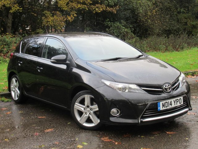 USED 2014 14 TOYOTA AURIS 1.4 D-4D EXCEL 5d 89 BHP FULL HEATED LEATHER INTERIOR