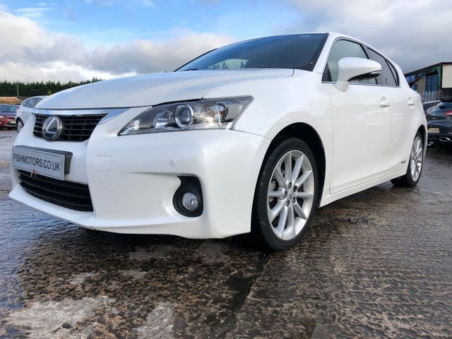 "USED 2013 63 LEXUS CT 1.8 200H LUXURY 5d AUTO 136 BHP 2KEYS+17"" ALLOY+CLIMATE+MEDIA+PRIV GLASS+0 ROAD TAX+HISTORY+ELEC+"