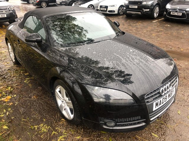 USED 2009 09 AUDI TT 2.0 TDI QUATTRO 2d 170 BHP ROADSTER CONVERTIBLE !!!! 1 OWNER !!!   VERY CLEAN LOW MILEAGE RARE EXAMPLE WITH  FULL DOCUMENTED SERVICE HISTORY , INCLUDING CAM BELT WATER PUMP AUX BELTS , . ALLOY WHEELS. FULL LEATHER INTERIOR. HEATED WINDSCREEN. PARKING SENSORS. AUX/USB. CRUISE CONTROL. AIR CON. SPARE KEY.