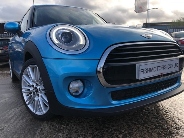 USED 2017 17 MINI HATCH COOPER 1.5 COOPER D 5d 114 BHP CRUISE+CHILLIPACK+CLEANCAR+MEDIA+2KEYS+HALFLEATHER+AIRCON+ELEC+