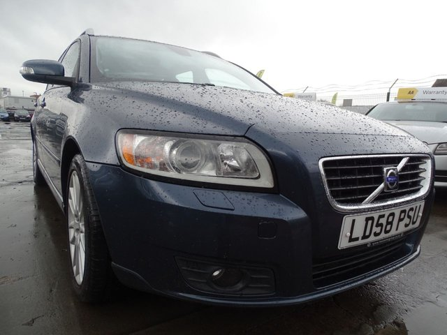 USED 2008 58 VOLVO V50 2.0 SE LUX 5d 136 BHP AUTOMATIC  ESTATE