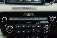 USED 2016 16 KIA SPORTAGE 2.0 CRDi First Edition Auto AWD 5dr SATNAV LEATHERS PANROOF CAMERA