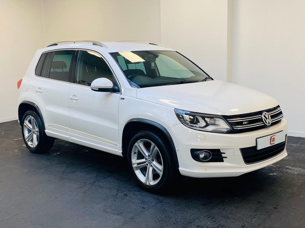 USED 2013 63 VOLKSWAGEN TIGUAN 2.0 R LINE TDI BLUEMOTION TECH 4MOTION DSG 5d 139 BHP LOW MILES + FINANCE AVAILABLE + PRIVACY GLASS