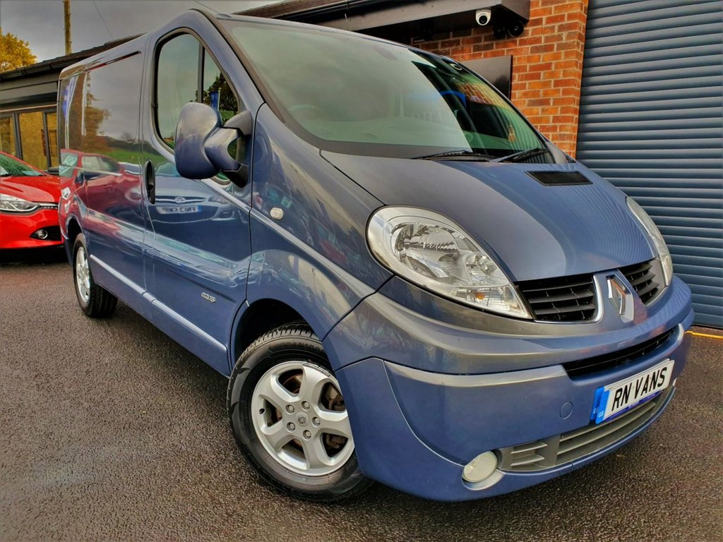 USED 2013 63 RENAULT TRAFIC 2.0 SL27 SPORT DCI S/R P/V 115 BHP ***AIR CON - ALLOYS - B/TOOTH - PLY***