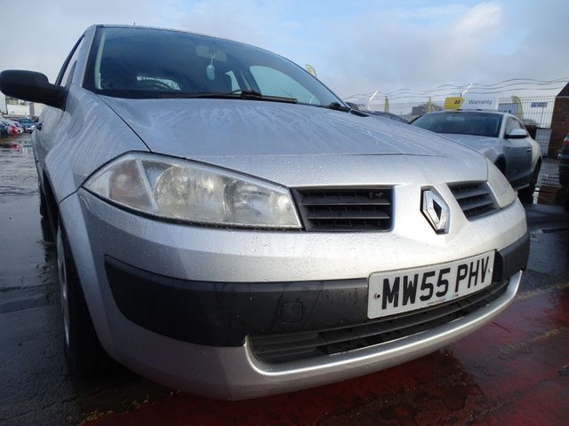 USED 2006 55 RENAULT MEGANE 1.4 AUTHENTIQUE 16V 5d 98 BHP 1 YEAR MOT INCLUDED