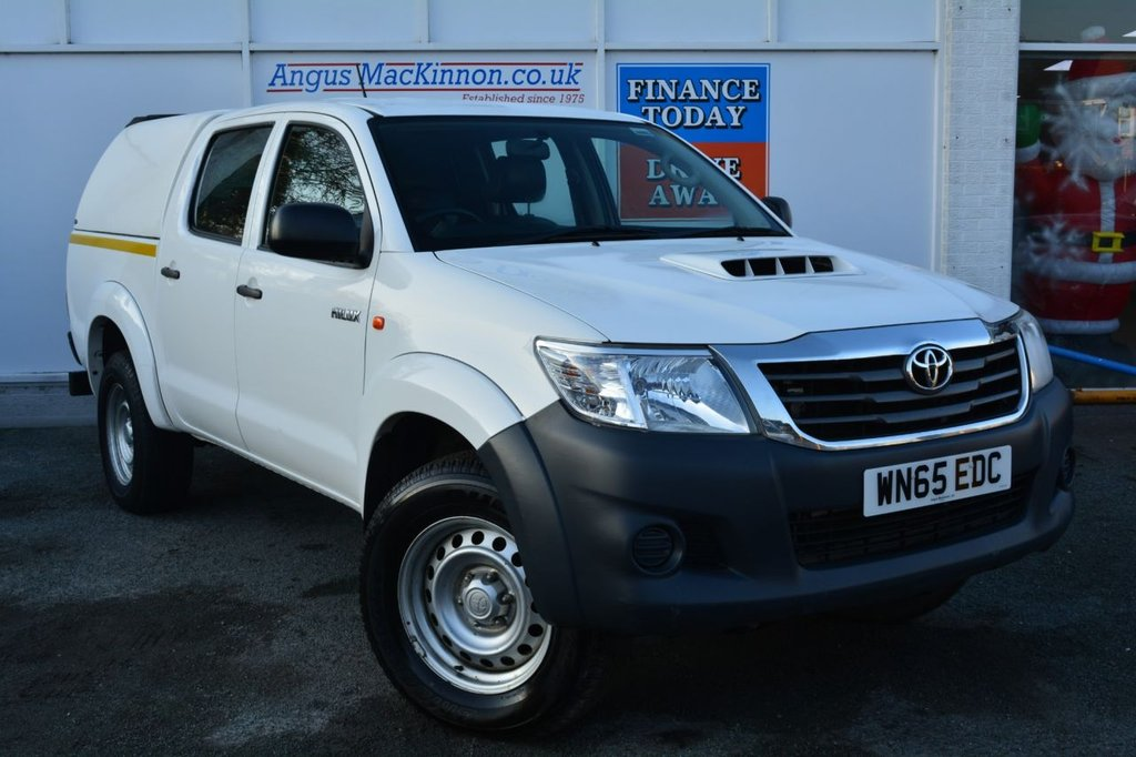 USED 2015 65 TOYOTA HI-LUX 2.5 ACTIVE 4X4 D-4D DCB 142 BHP ** LOW MILEAGE FOR AGE**