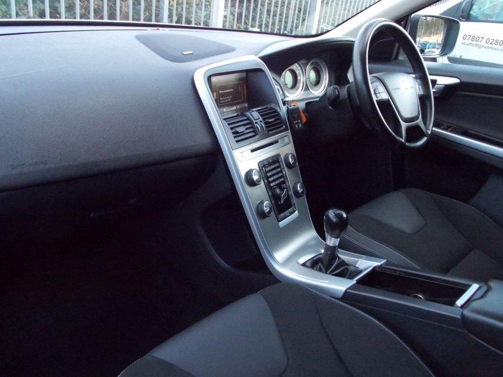 USED 2011 11 VOLVO XC60 2.4 D5 ES AWD 5d 212 BHP