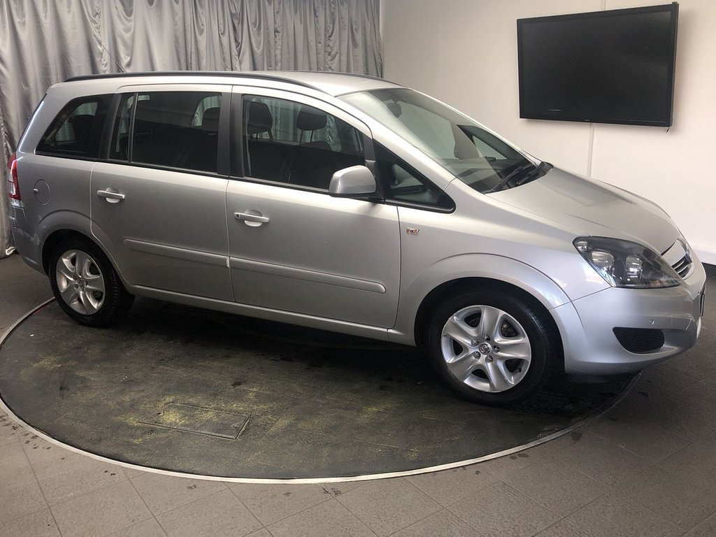 USED 2015 15 VAUXHALL ZAFIRA 1.8 EXCLUSIV 5d 120 BHP FREE UK DELIVERY, AIR CONDITIONING, AUX INPUT, CD/MP3/RADIO, CLIMATE CONTROL, CLOTH UPHOLSTERY, STEERING WHEEL CONTROLS, TRIP COMPUTER