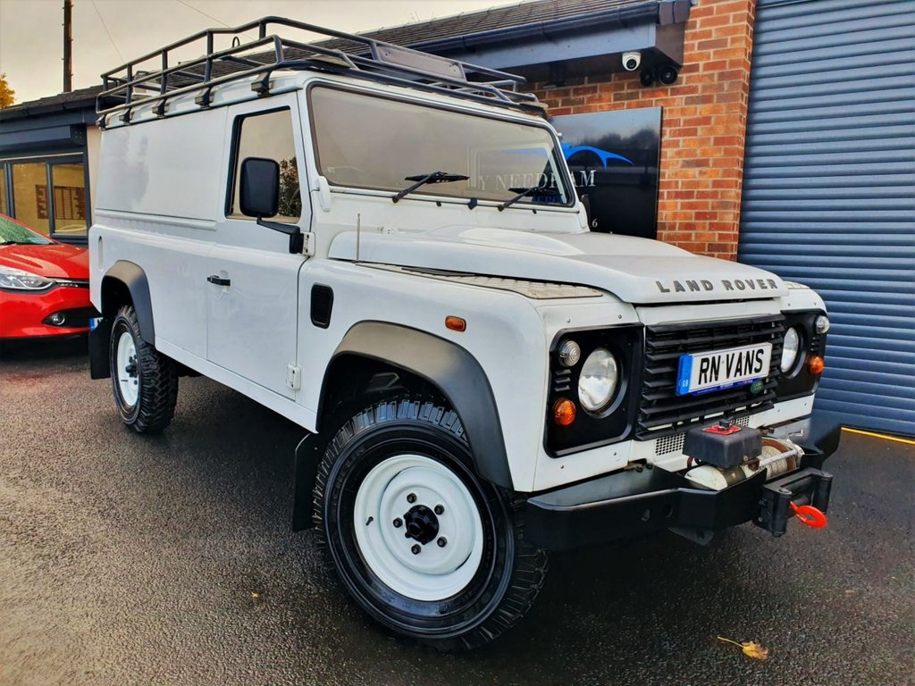USED 2011 11 LAND ROVER DEFENDER 2.4 110 TD HARD TOP 2d 121 BHP *** ONE OWNER - WINCH ***
