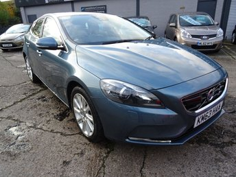 2013 VOLVO V40 2.0 D3 SE LUX NAV 5d 148 BHP £7495.00