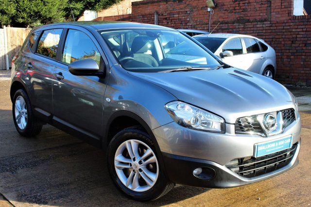 USED 2013 63 NISSAN QASHQAI 1.6 ACENTA 5d 117 BHP **** FULL SERVICE HISTORY * BLUETOOTH * PARKING SENSORS ( REAR ) ****