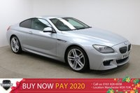 USED 2015 64 BMW 6 SERIES 3.0 640D M SPORT 2d AUTO 309 BHP Finished in stunning Moonstone + 20 INCH DOUBLE SPOKE ALLOYS + BLACK FULL LEATHER INTERIOR + SAT NAV + BLUETOOTH + IN CAR ENTERTAINMENT ( CD / AUX / USB ) + HEATED SEATS + ELECTRIC MEMORY SEATS + DUAL CLIMATE CONTROL + CRUISE CONTROL + MULTI FUNCTION STEERING WHEEL + ELECTRIC FOLDING MIRRORS + ELECTRIC WINDOWS + HARMON / KARDON AUDIO SYSTEM + FRONT / REAR PARKING SENSORS