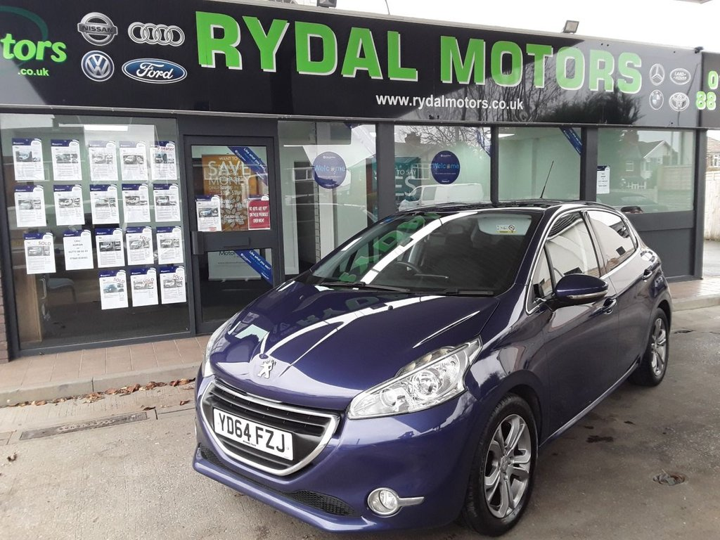 USED 2014 64 PEUGEOT 208 1.2 ALLURE 5d 82 BHP LOW TAX RATE £20.00 A YEAR, 33,000 MILES, LADY OWNER