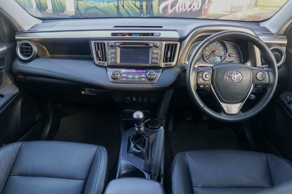 USED 2013 13 TOYOTA RAV4 2.2 D-4D INVINCIBLE 5d 150 BHP ONE OWNER FROM NEW FULL TOYOTA HISTORY