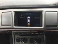 USED 2015 15 JAGUAR XF 2.2 D PORTFOLIO 4d 200 BHP