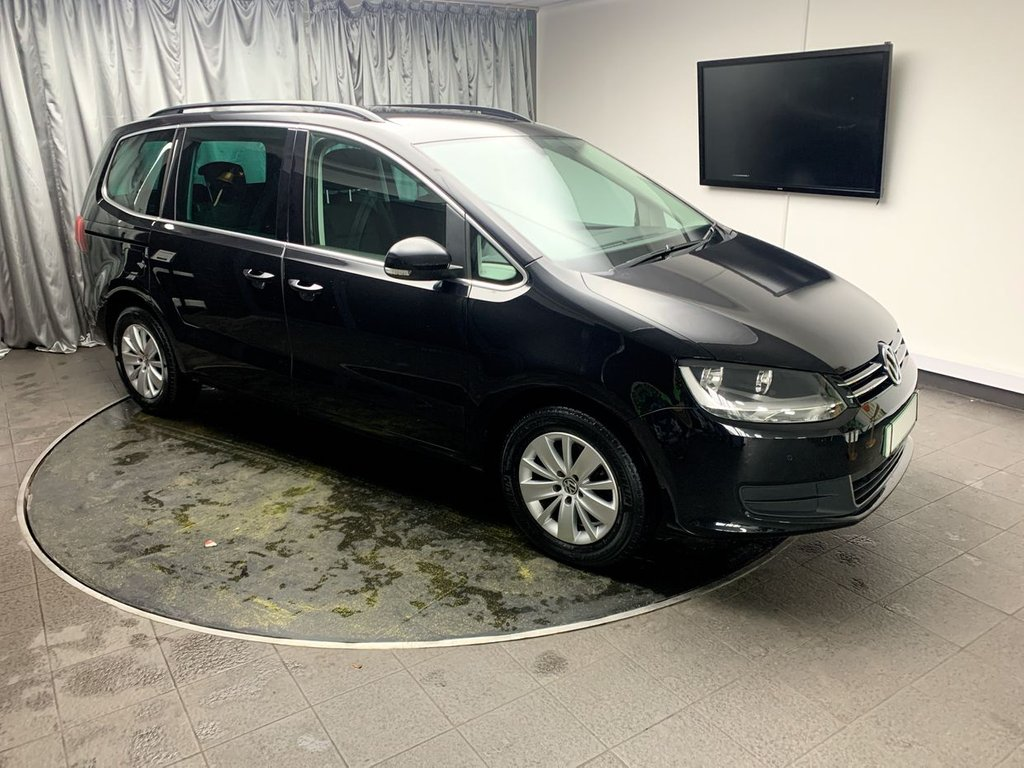 USED 2013 13 VOLKSWAGEN SHARAN 2.0 SE TDI 5d 142 BHP FREE UK DELIVERY, AIR CONDITIONING AUTOMATIC HEADLIGHTS, CLIMATE CONTROL CRUISE CONTROL, DAB RADIO, ELECTRONIC PARKING BRAKE WITH AUTO HOLD, PARKING SENSORS, START/STOP SYSTEM, STEERING WHEEL CONTROLS, TRIP COMPUTER