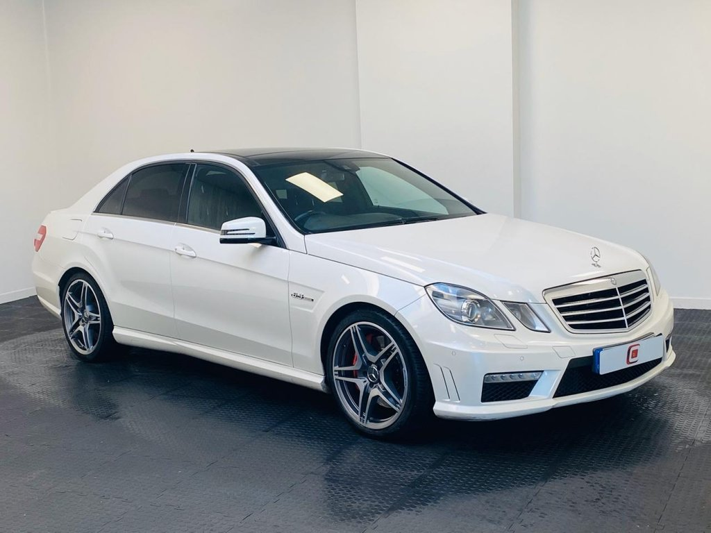 USED 2011 11 MERCEDES-BENZ E 63 AMG 6.2 4d 525 BHP *FULL HISTORY* LAST OWNER 7 YEARS + ONLY 31K MILES + FULL HISTORY + PAN ROOF