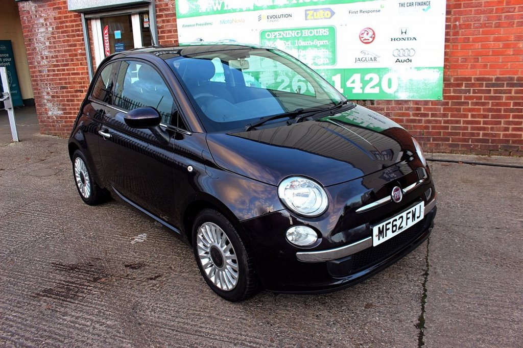 USED 2012 62 FIAT 500 0.9 LOUNGE 3d 85 BHP +PANORAMIC ROOF +BLUETOOTH.