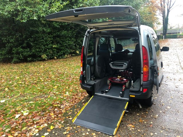 USED 2008 08 RENAULT KANGOO 1.1 AUTHENTIQUE 16V 5d 75 BHP GOWRINGS WAV RAMP CONVERSION. SCOOTER/WHEELCHAIR...DELIVERY POSSIBLE
