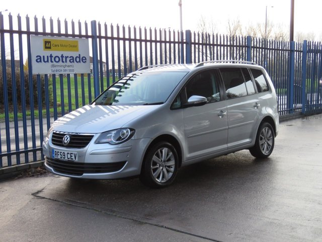 USED 2009 59 VOLKSWAGEN TOURAN 1.9 MATCH TDI 5dr 7 Seater Sat nav Front & rear park Cruise