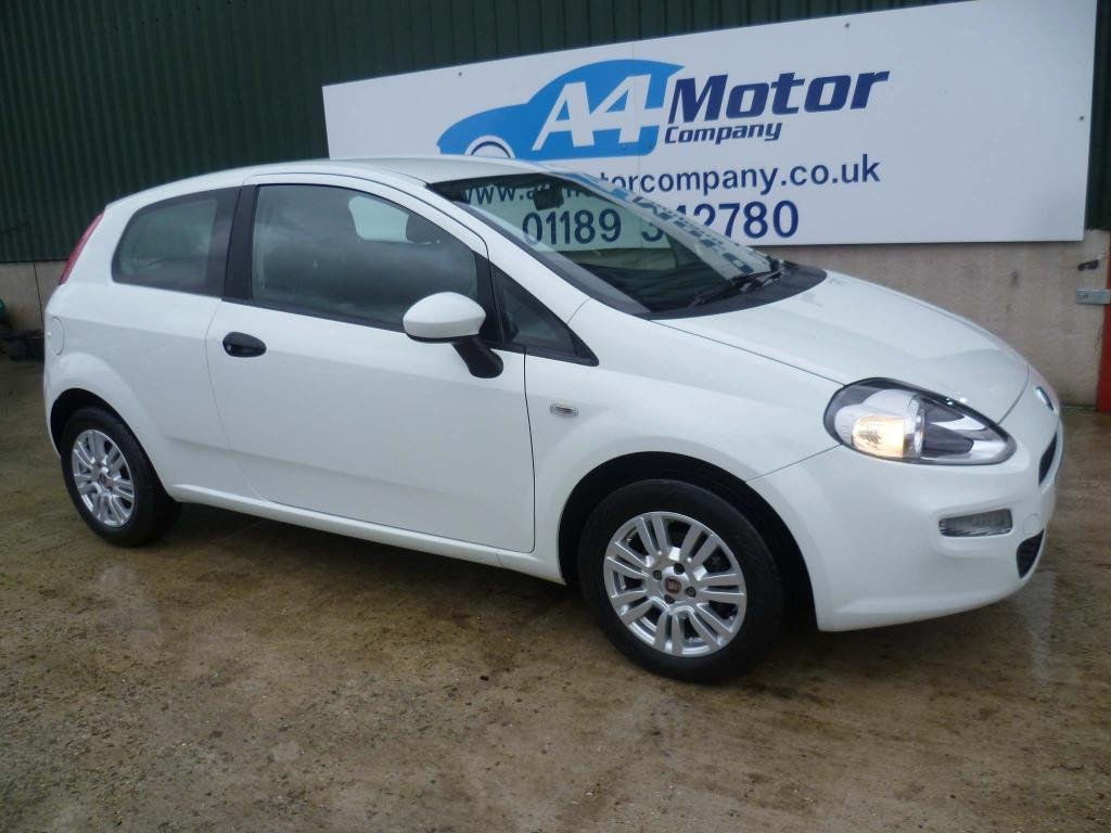 USED 2015 65 FIAT PUNTO 1.2 8V Pop 3dr 1.2CC IDEAL FIRST CAR LOW TAX