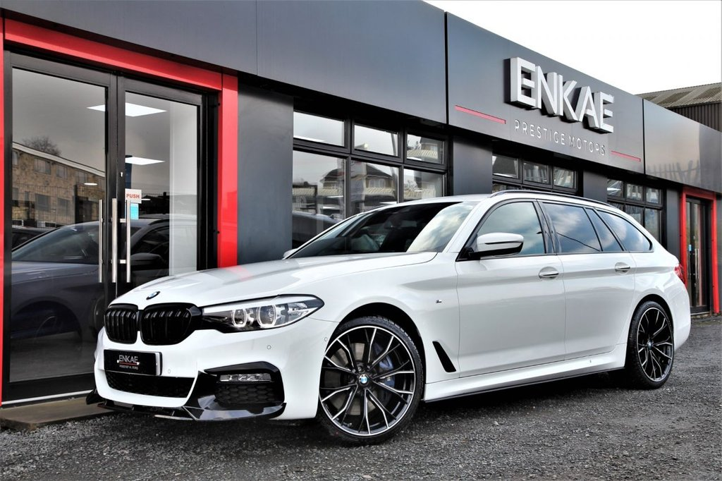 USED 2018 18 BMW 5 SERIES 3.0 540I XDRIVE M SPORT TOURING 5d 335 BHP