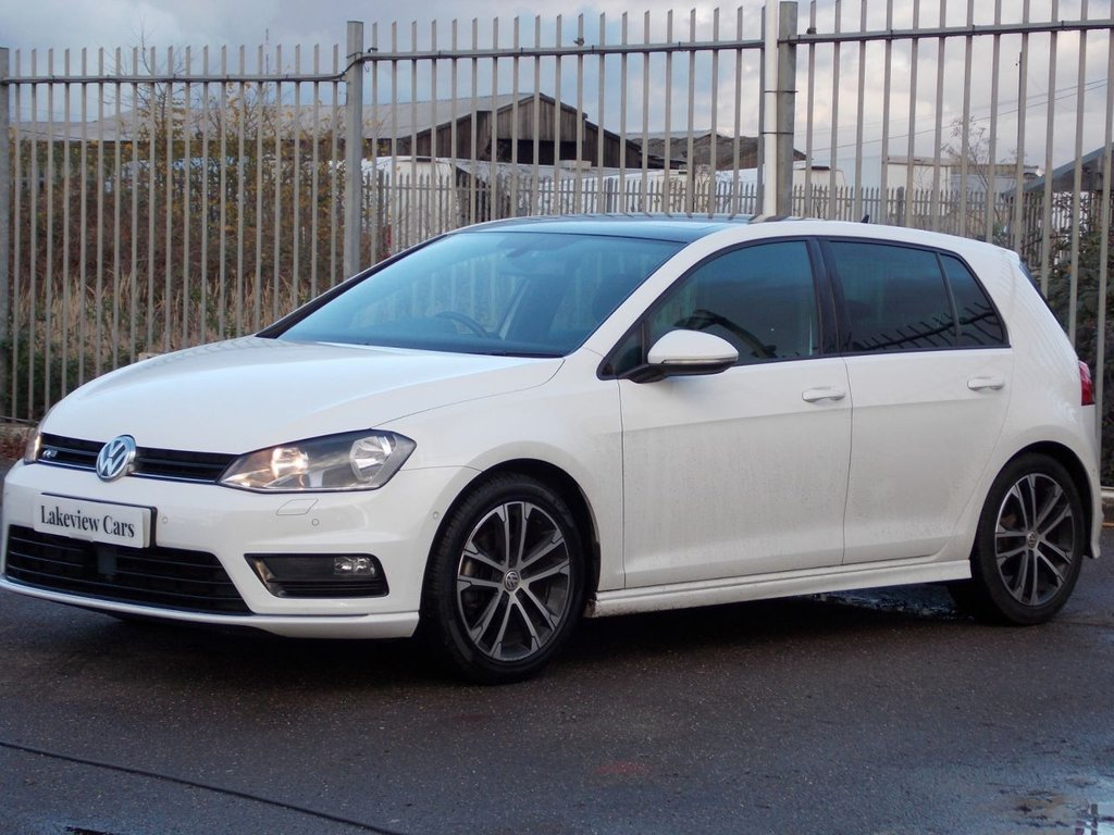 USED 2015 65 VOLKSWAGEN GOLF 1.4 R-LINE TSI ACT BLUEMOTION TECHNOLOGY 5d 148 BHP