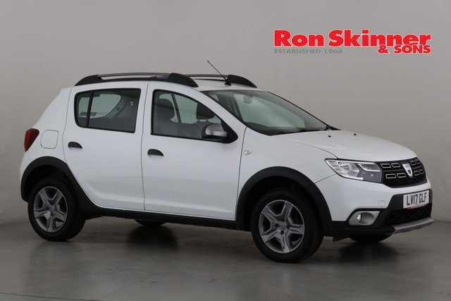 View our 2017 17 DACIA SANDERO 0.9 STEPWAY LAUREATE TCE 5d 90 BHP