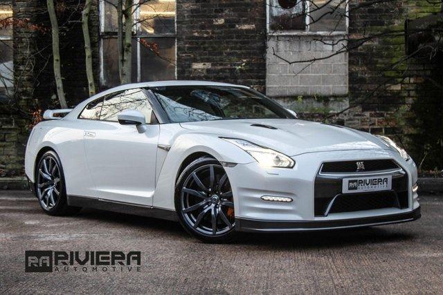 2016 16 NISSAN GT-R 3.8 V6 2d 550 BHP