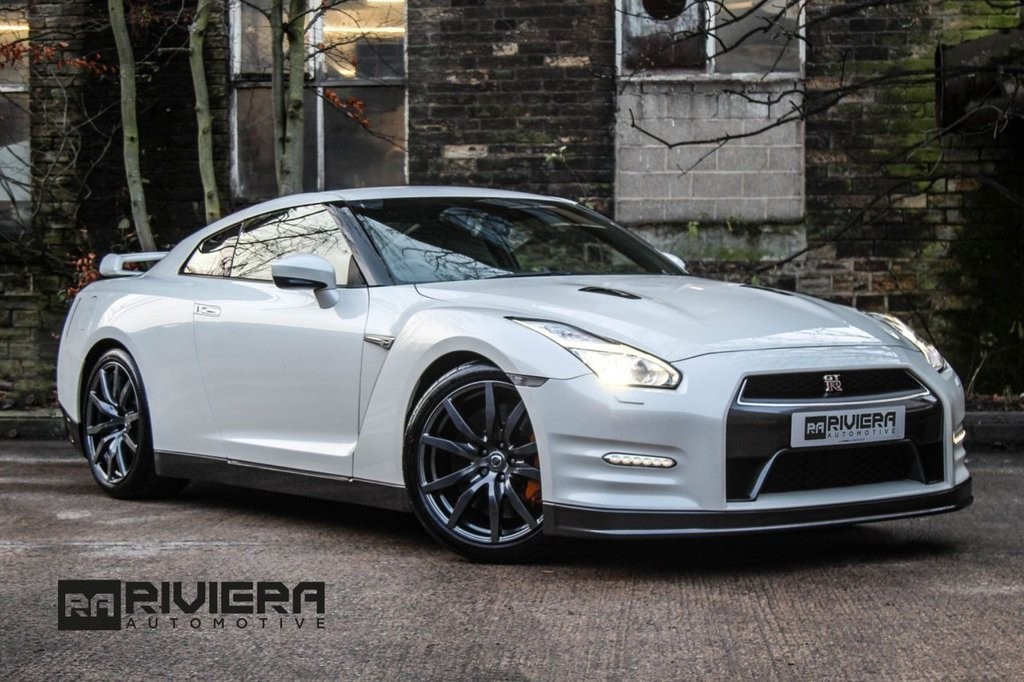 USED 2016 16 NISSAN GT-R 3.8 V6 2d 550 BHP