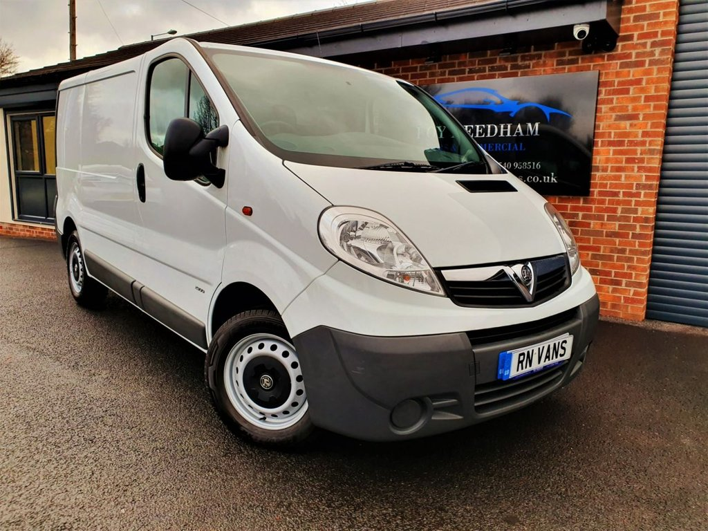 USED 2014 64 VAUXHALL VIVARO 2900 2.0 CDTI 115 SWB L/R  *** EX MOD - AIR CON - BLUETOOTH - PLY LINED ***