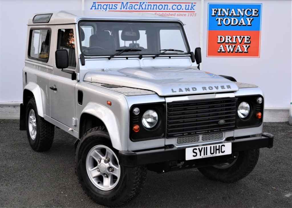 USED 2011 11 LAND ROVER DEFENDER 90 2.4 90 TD 3d with 4 Seats Sat Nav NO VAT TO PAY in Excellent Condition with Very Low Mileage Recent Service plus MOT now Ready to Finance and Drive Away Today 2.4 90 TD STATION WAGON 3d Hard Top with NO VAT TO PAY SO YOU SAVE 20% Excellent Condition with Low Mileage Recent Service plus MOT now Ready to Finance and Drive Away Today