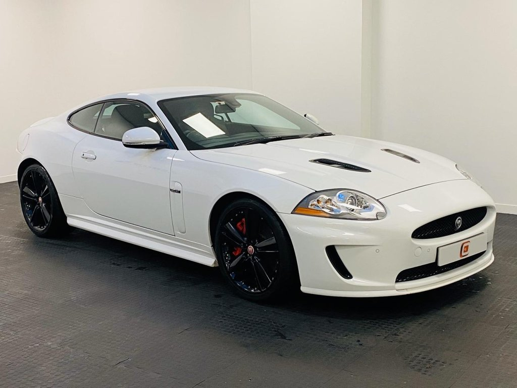 USED 2010 60 JAGUAR XK 5.0 XKR 2d 510 BHP LOW MILES + FULL JAG HISTORY + 2 KEYS + RARE IN WHITE + BLACK WHEELS + LEATHER