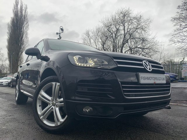 USED 2014 64 VOLKSWAGEN TOUAREG 3.0 V6 R-LINE TDI BLUEMOTION TECHNOLOGY 5d 242 BHP 2KEYS+LEATHER+PAN ROOF+PARK+
