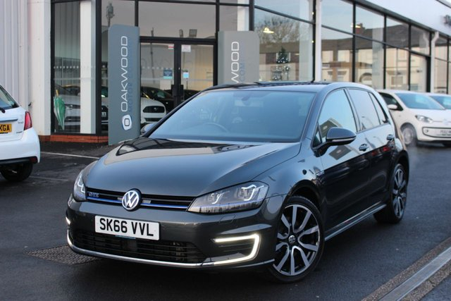 USED 2016 66 VOLKSWAGEN GOLF 1.4 TSI BlueMotion Tech GTE Nav DSG (s/s) 5dr