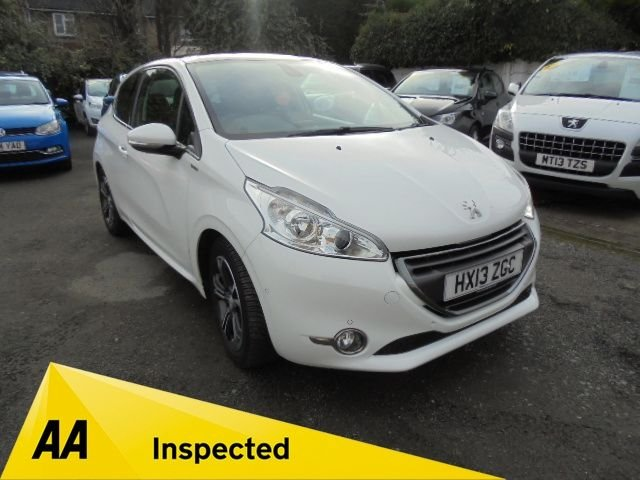 USED 2013 13 PEUGEOT 208 1.6 E-HDI INTUITIVE 3d 92 BHP **NAVIGATION SYSTEM**ALLOYS**