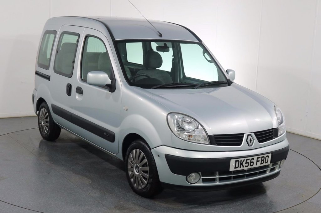 USED 2006 56 RENAULT KANGOO 1.6 EXPRESSION 16V 5d 94 BHP WHEEL CHAIR ADAPTED