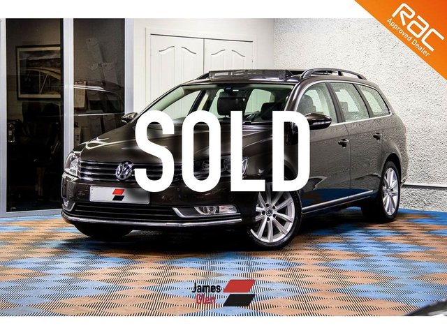 USED 2014 64 VOLKSWAGEN PASSAT 2.0 EXECUTIVE TDI BLUEMOTION TECHNOLOGY DSG 5d 139 BHP One Owner | Three VW Stamps