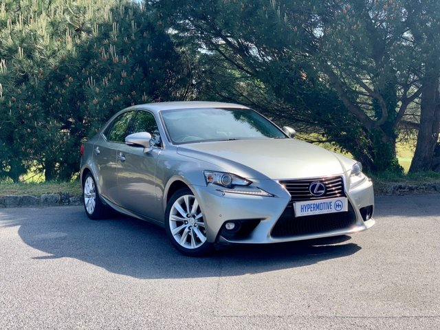 USED 2014 64 LEXUS IS 2.5 300H EXECUTIVE EDITION 4d One Former Keeper   Sat Nav