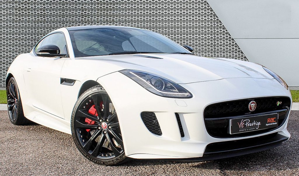 USED 2015 15 JAGUAR F-TYPE 5.0 R 2d 550 BHP **MASSIVE SPEC/COST NEW £98k**