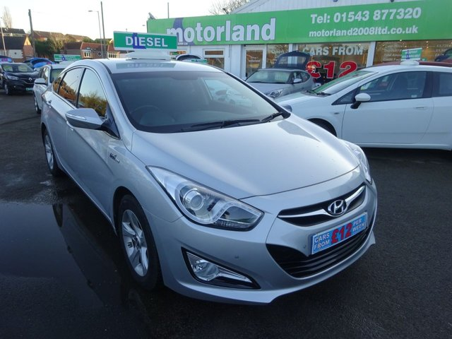 USED 2014 64 HYUNDAI I40 1.7 CRDI STYLE BLUE DRIVE 4d 114 BHP ** SAT NAV** REAR PARKING CAMERA**