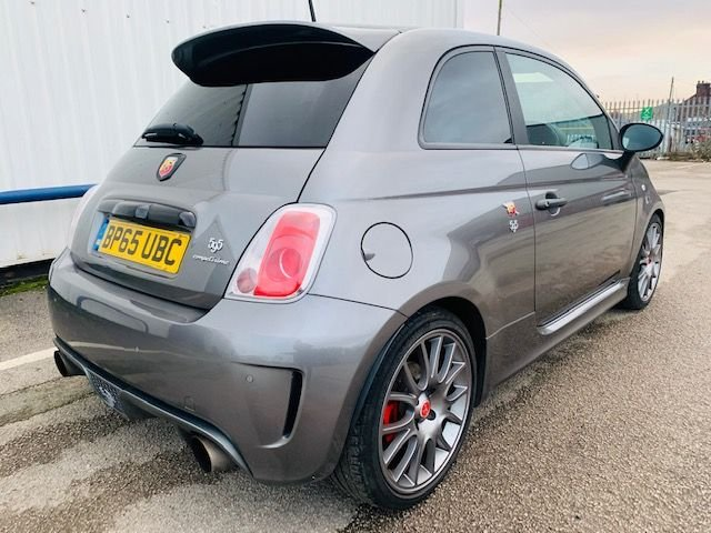 USED 2016 65 ABARTH 500 1.4 595 COMPETIZIONE 3d 177 BHP FULL SERVICE HISTORY - MOT DEC 2020 - ONLY 1 FORMER KEEPER - COMPETIZIONE MODEL - RED CALIPERS - ALCANTARA 595 SPORT SEATS - 3 MONTH WARRANTY